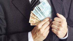 dinheiro-politico-roubo-corrupcao-caixa-2-20140725-06-size-620